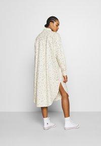 Monki - CAROL DRESS - Košilové šaty - white - 2