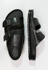 Birkenstock - ARIZONA - Sandały kąpielowe - black - 1