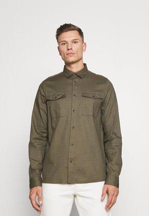 TIM - Shirt - ivy green