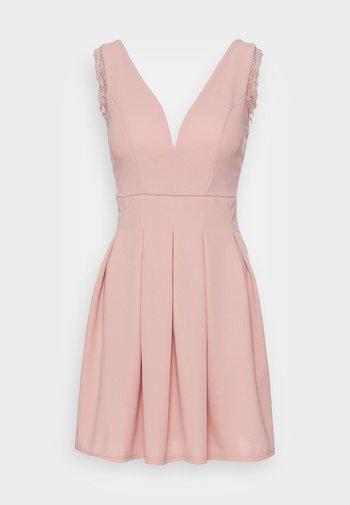 SKATER DRESS - Vestito di maglina - blush pink