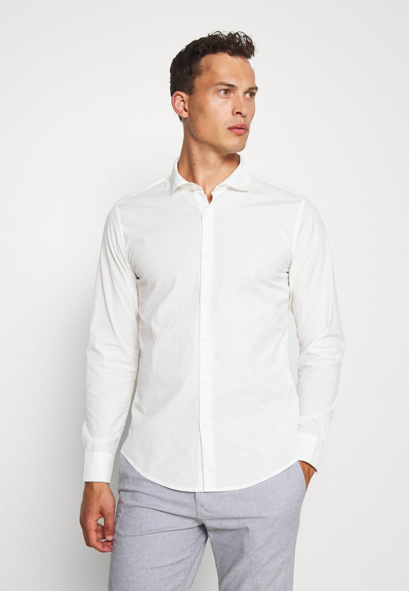 DOCKERS - SUSTAINABLE ALPHA SPREAD COLLAR - Shirt - offwhite