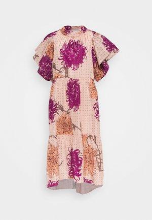 AMELI - Day dress - peach passion