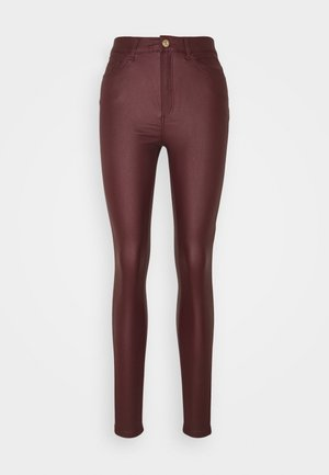 NMCALLIE SKINN COATED PANTS - Spodnie materiałowe - zinfandel