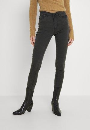 VMJUDY JEGGING  - Jeans Skinny Fit - dark grey denim
