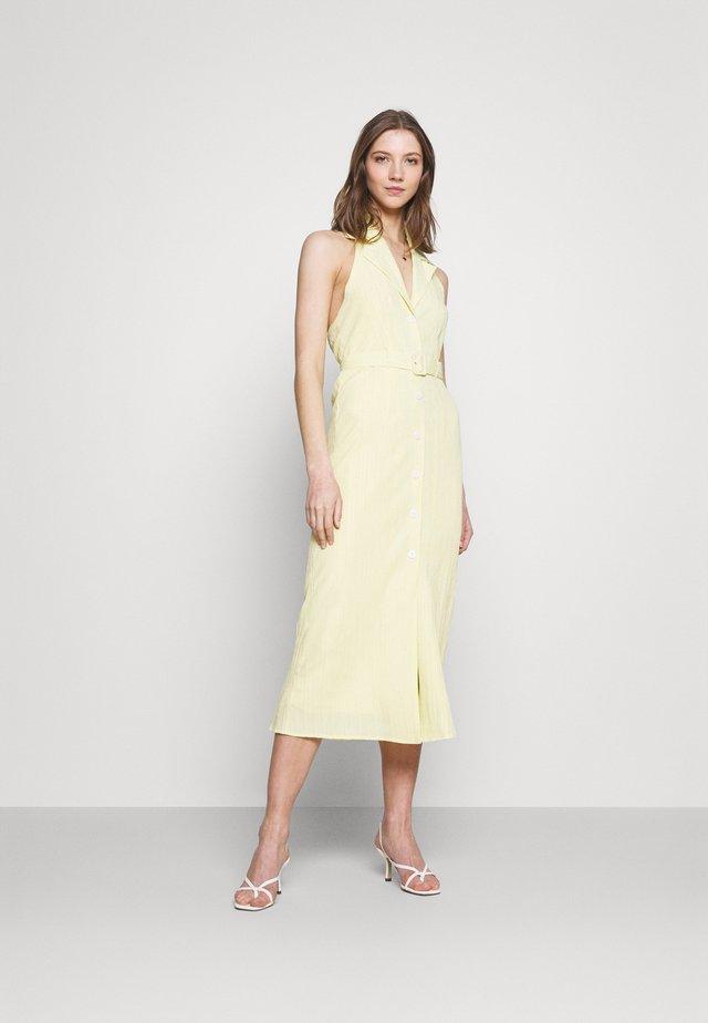 SASHAY DRESS - Robe chemise - yellow