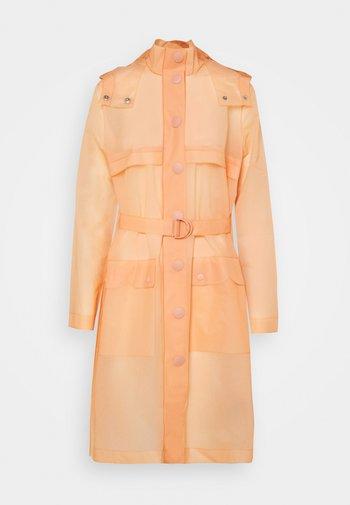 PART PLEAT COAT - Classic coat - rock clay