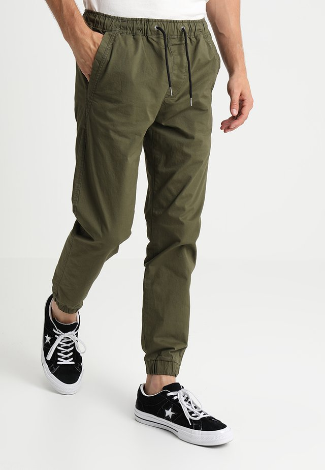 JJIVEGA JJLANE  - Tracksuit bottoms - olive night