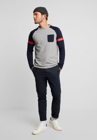TOM TAILOR DENIM - LONGLSLEEVE CUTLINE - Långärmad tröja - middle grey mélange - 1