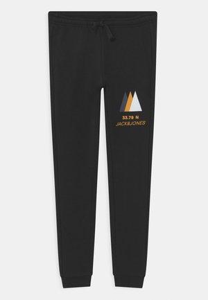 JJIPOWERTRACK PANTS JR - Pantalones deportivos - black
