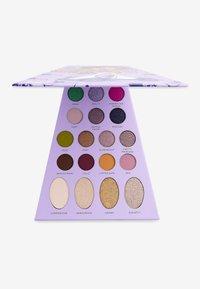 Make up Revolution - REVOLUTION X BRATZ DOLL PALETTE  - Eyeshadow palette - yasmin - 2