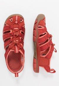 Keen - CLEARWATER CNX - Outdoorsandalen - dark red/coral - 1