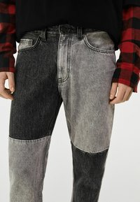 Bershka - Straight leg jeans - grey - 3