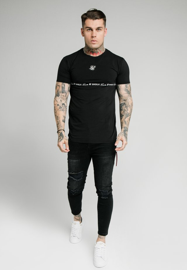STRAIGHT HEM GYM TEE - T-shirt print - black