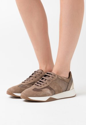 SUZZIE - Trainers - lead/dark beige