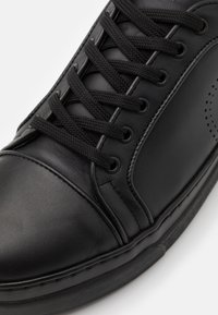 Trussardi - PREMIUM - Sneakers basse - black - 5