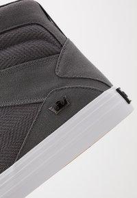 Supra - ALUMINUM - Zapatillas altas - grey/black/white - 5