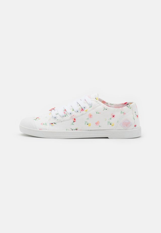 BASIC  - Sneakers laag - tila white
