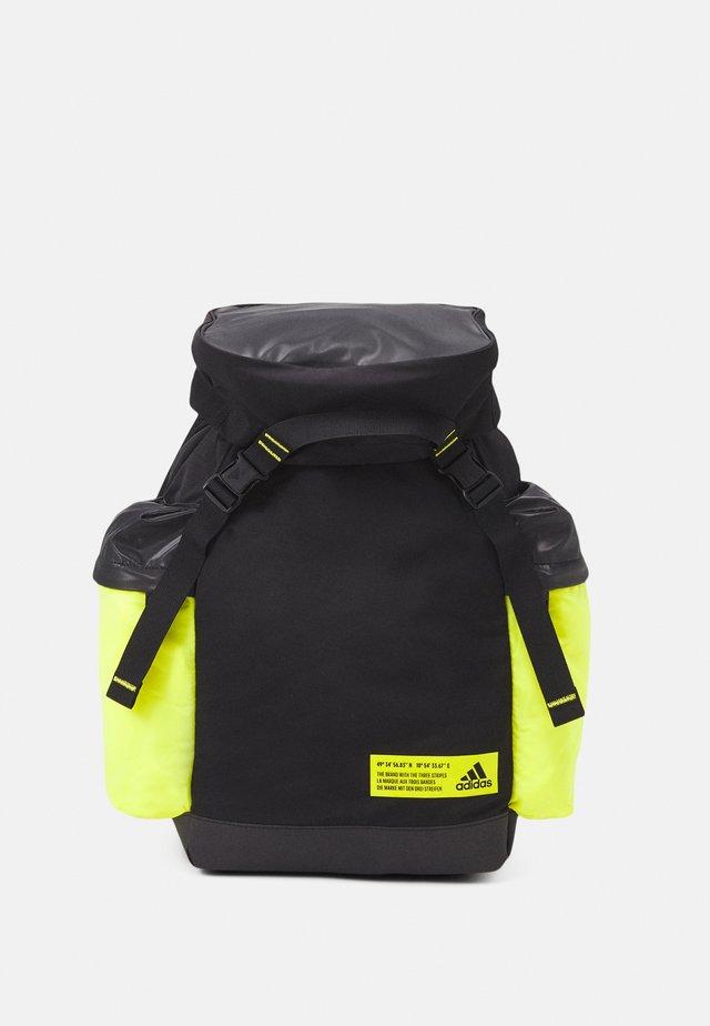 Batoh - black/acid yellow