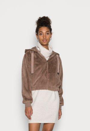 JDYEDWINA HOOD JACKET - Winter jacket - portabella