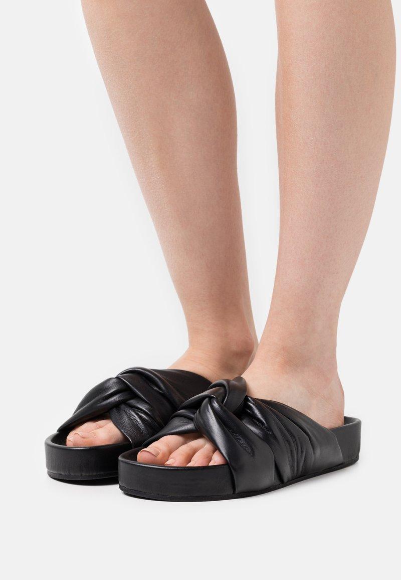 Filippa K - BREA PLATFORM  - Pantofle - black
