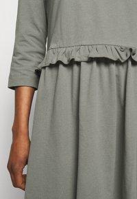 Libertine-Libertine - CURL - Žerzejové šaty - anthracite - 4