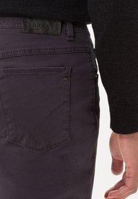 BRAX - STYLE COOPER FANCY - Straight leg jeans - anthra - 4