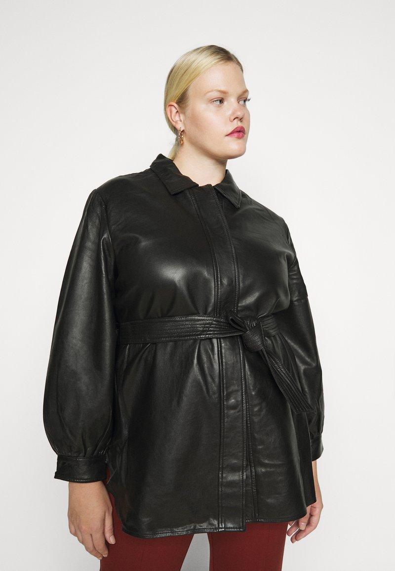 Selected Femme Curve - SLFLEA LONG JACKET - Faux leather jacket - black