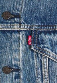 Levi's® - VINTAGE FIT TRUCKER UNISEX - Jeansjacka - light blue denim - 2