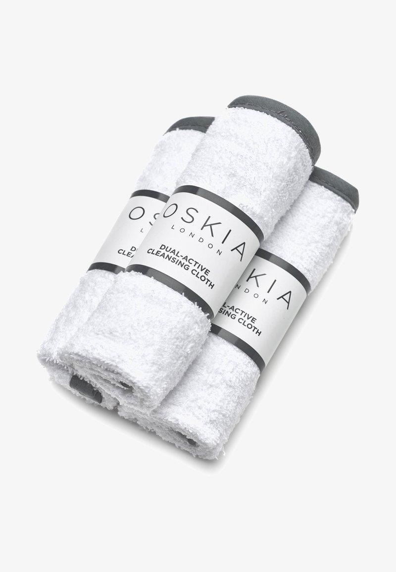 Oskia - DUAL ACTIVE CLEANSING CLOTHS 3 STÜCK - Gesichtspflege Zubehör - -