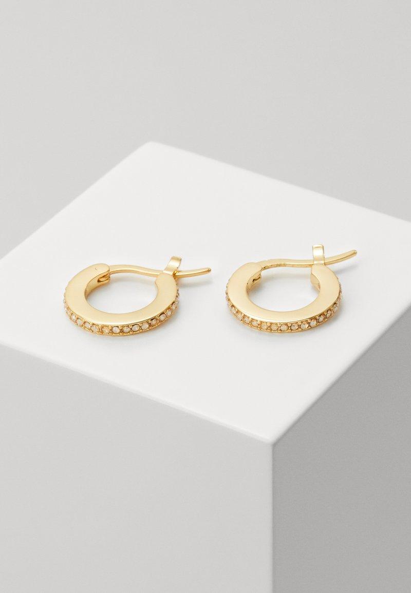 Coach - PAVE HUGGIE EARRINGS - Earrings - gold-coloured