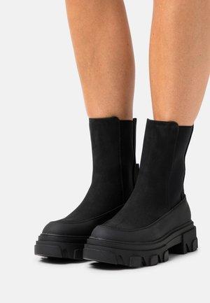 ONLTOLA CHUNKY BOOT  - Platform ankle boots - black