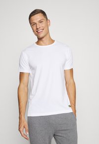 Lyle & Scott - MAXWELL 3 PACK - Pyjama top - bright white/grey marl/black - 1