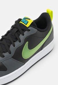 Nike Sportswear - COURT BOROUGH UNISEX - Zapatillas - black/cyber/iron grey/aquamarine - 5