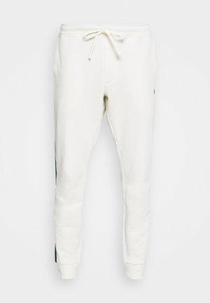 LOOPBACK TERRY PANT ATHLETIC - Pantaloni sportivi - chic cream/college green