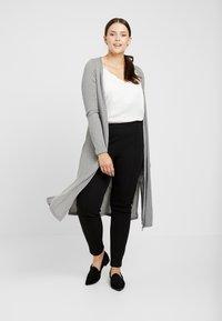 New Look Curves - CARDI - Chaqueta de punto - grey - 1
