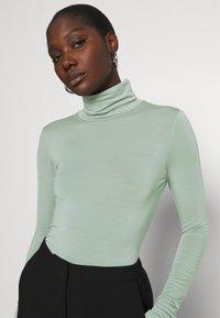 Gestuz - SIRIN ROLLNECK - Long sleeved top - slate gray - 3