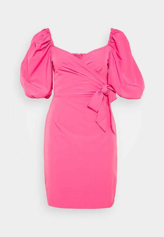 WRAP FRONT DRESS WITH VOLUMINOUS SLEEVE - Vestito estivo - hot pink