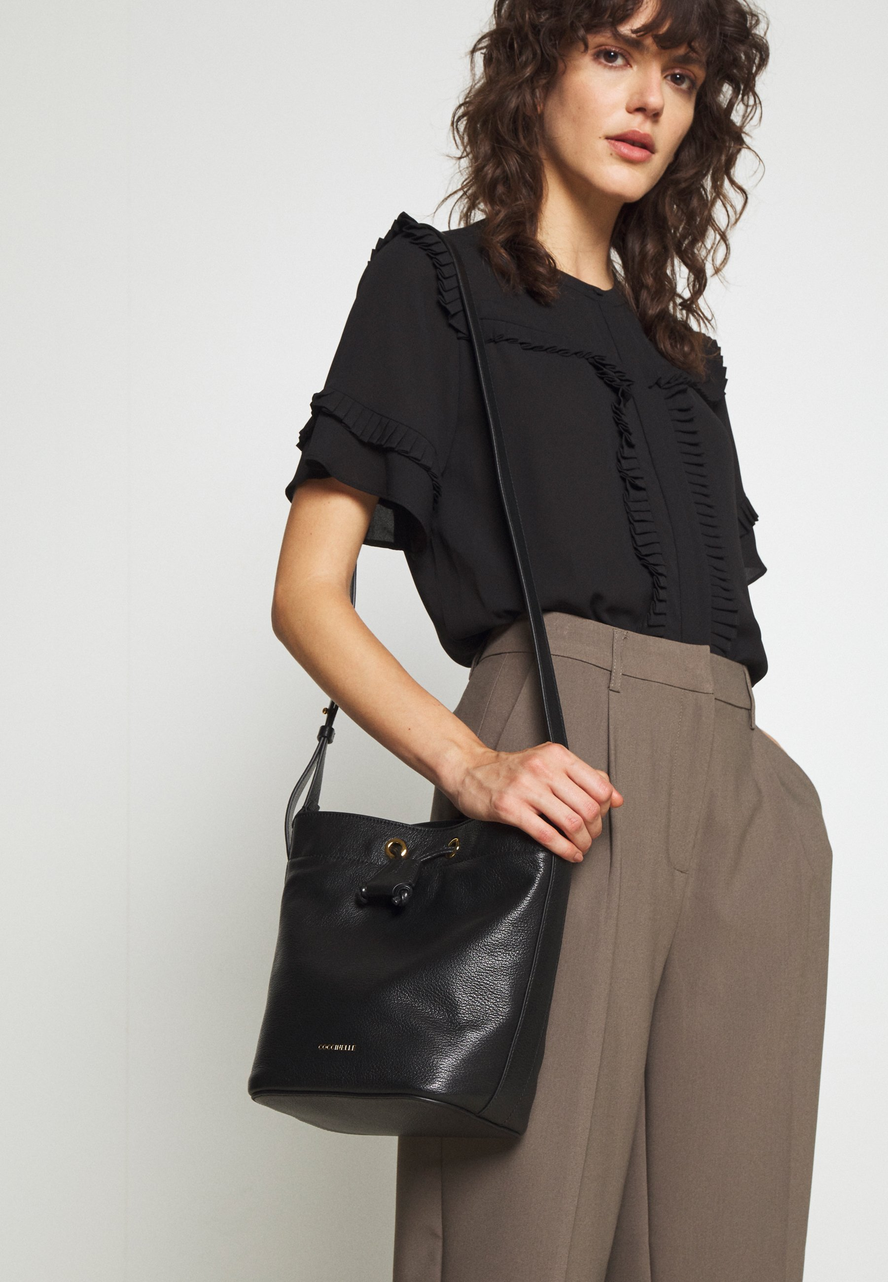 Women LEA BUCKET BAG - Across body bag