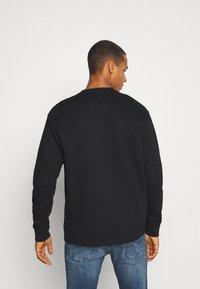 Tommy Jeans - CLASSICS CREW - Sweatshirt - black - 2