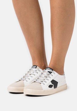 AUSTIN - Sneakers - marble