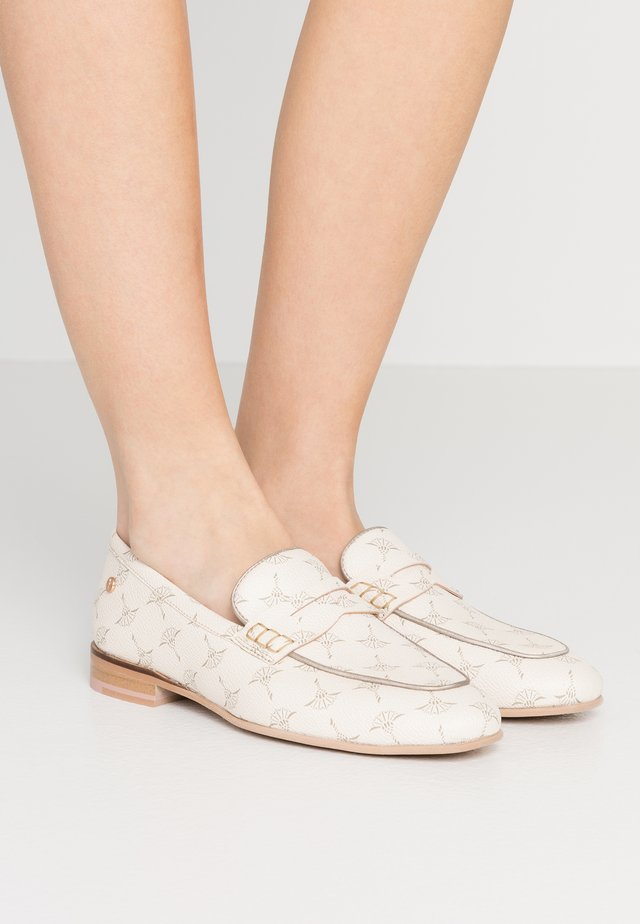 CORTINA FILIPPA  - Loaferit/pistokkaat - offwhite