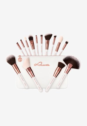 ESSENTIAL BRUSHES - Makeup brush set - feather white