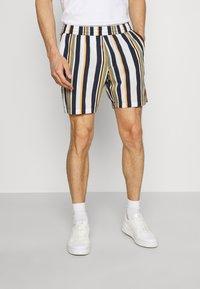 Selected Homme - SLHJOEL - Shorts - egret - 0