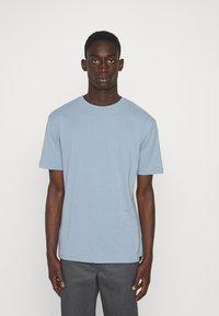 Newport Bay Sailing Club - CORE 3 PACK - T-shirt - bas - ecru/ashley blue/white - 4