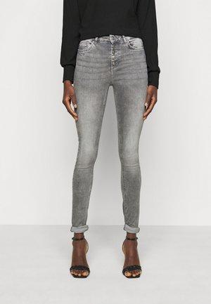 ONLBLUSH LIFE BUTTON - Skinny džíny - grey denim