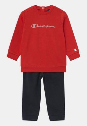 AMERICAN CLASSICS CREWNECK SET UNISEX - Tracksuit - red