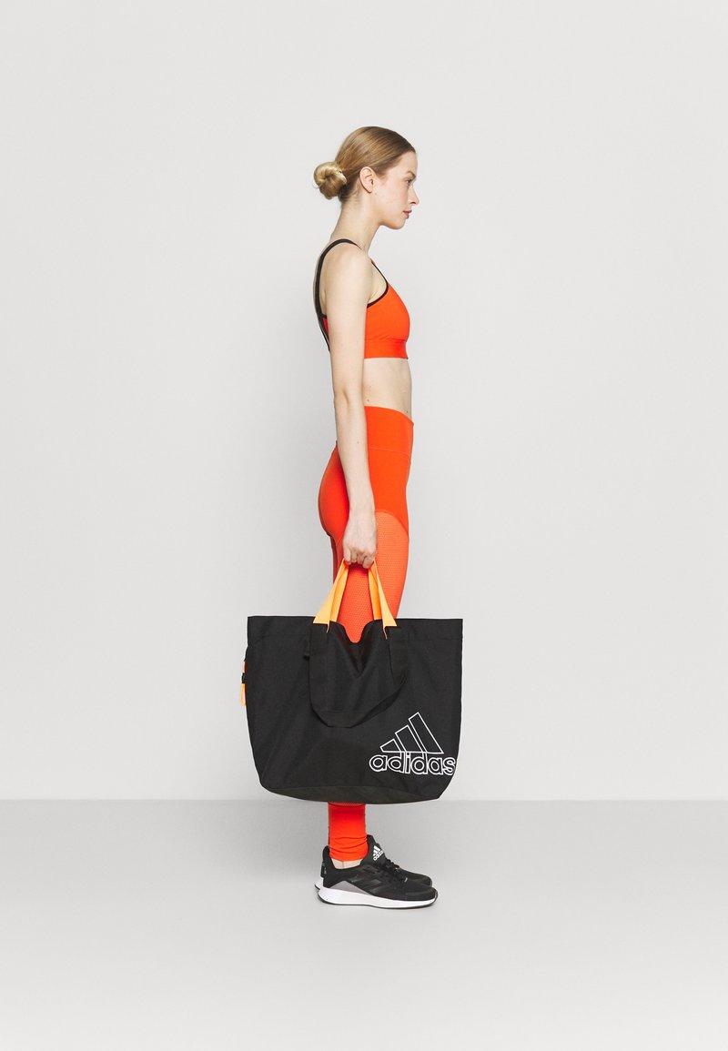 adidas Performance - TOTE - Sportovní taška - black/white