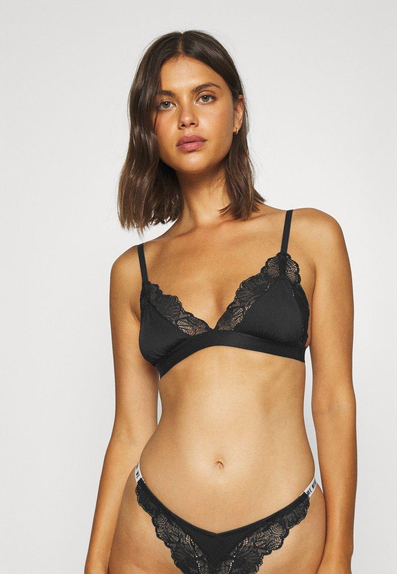 We Are We Wear - TRIANGLE - Triangle bra - black