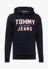Tommy Jeans - ESSENTIAL LOGO HOODIE - Mikina skapucí - black - 4