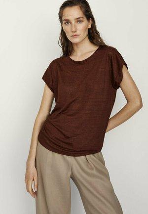 MIT RUNDHALSKRAGEN  - T-shirts basic - ochre